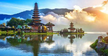 كيفية التنقل بين مدن إندونيسيا السياحية